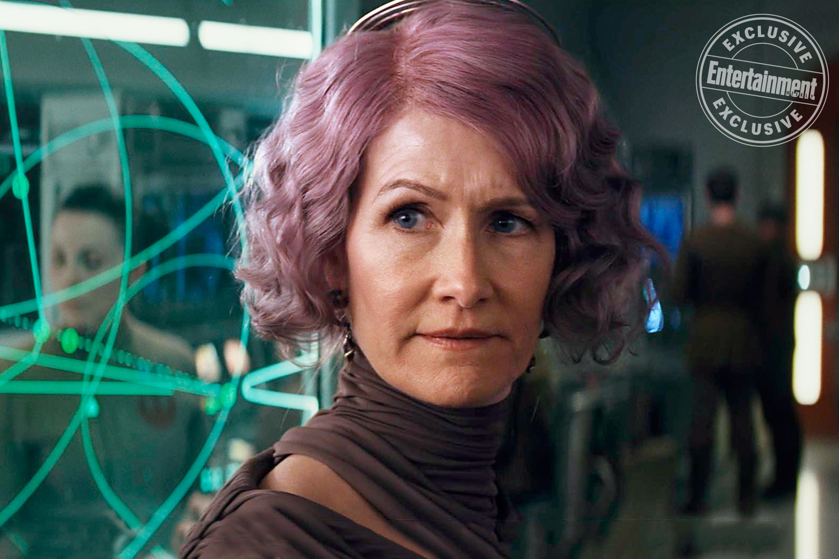 Learn More About Admiral Holdo From The Last Jedi